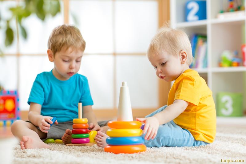 کودکان به بازی خلاق نیاز دارند