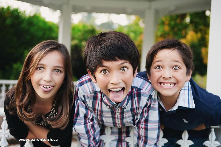 چطور یک کودک شاد تربیت کنیم؟