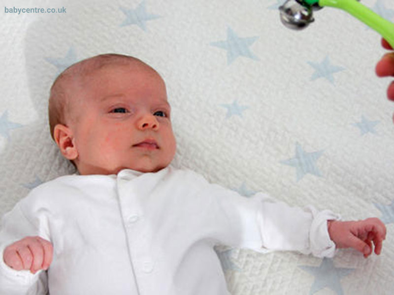 بازی های نوزادان از تولد تا سه ماهگی