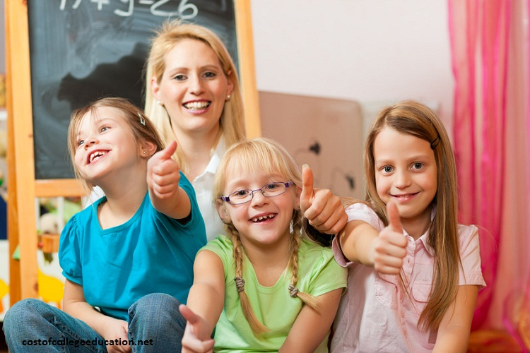 چگونه کودکان با عزت نفس پرورش دهیم؟