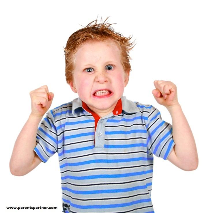 والدین مستبد کودکان خشمگین دارند