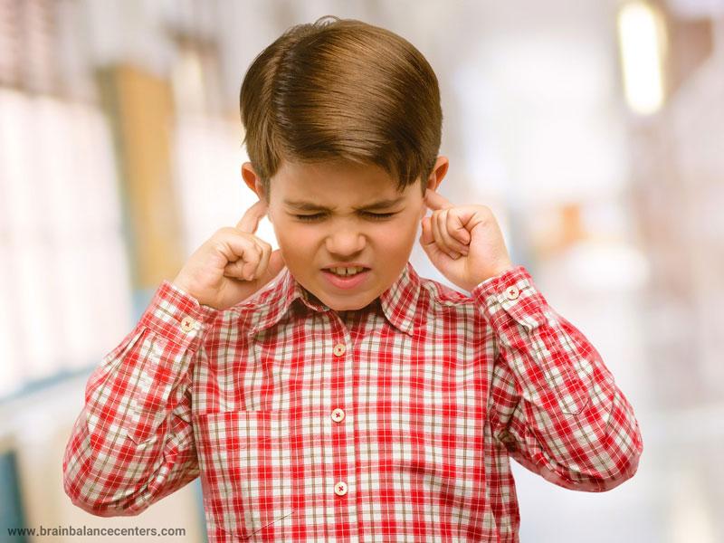 اختلال پردازش شنوایی(APD) در کودکان: نشانهها، تشخیص و درمان