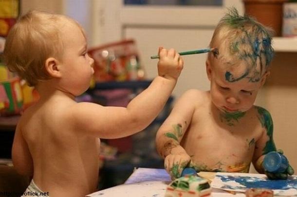 کودکان نوپا در حال کشف جهان