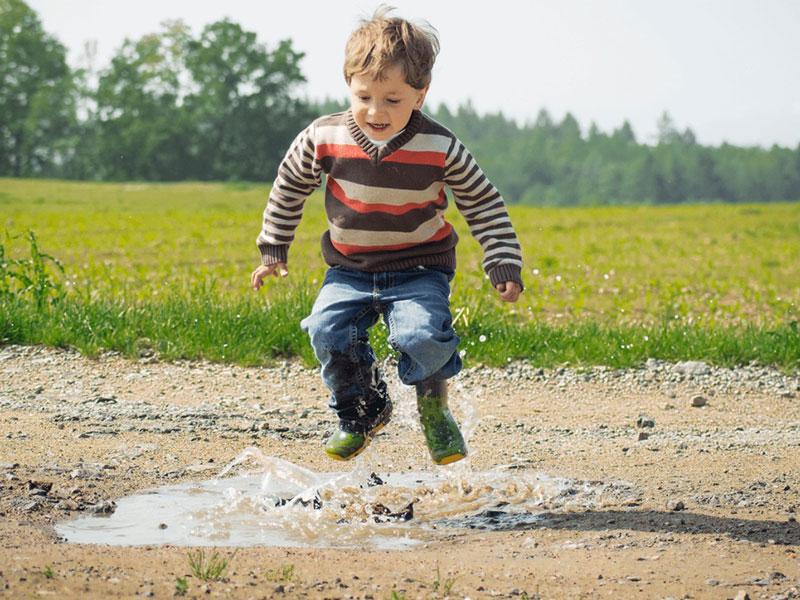 بازی درمانی چیست و چه اثری بر کودکان دارد؟