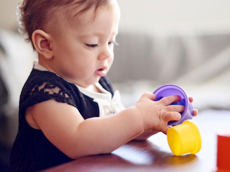 مراحل مهم زندگی کودک نوپا: ۱۸ تا ۲۴ ماهگی
