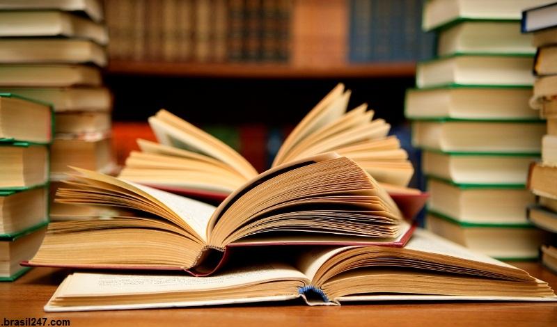 کتابهایی که نمیآموزند