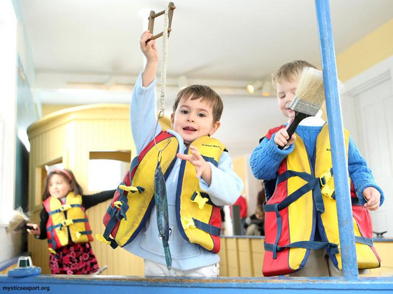 آموزش فلسفه به کودکان در موزههای تعاملی علم