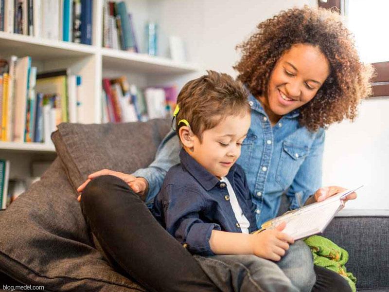 کتاب خوانی تعاملی - گفتوگویی برای کودکان کمشنوا