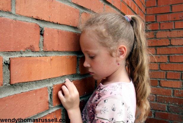 چگونه خود باوری را در کودکان و نوجوانان پرورش دهیم