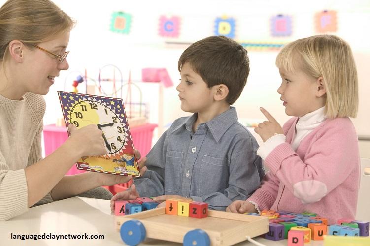 کودک از چه سنی آموزش ببیند؟