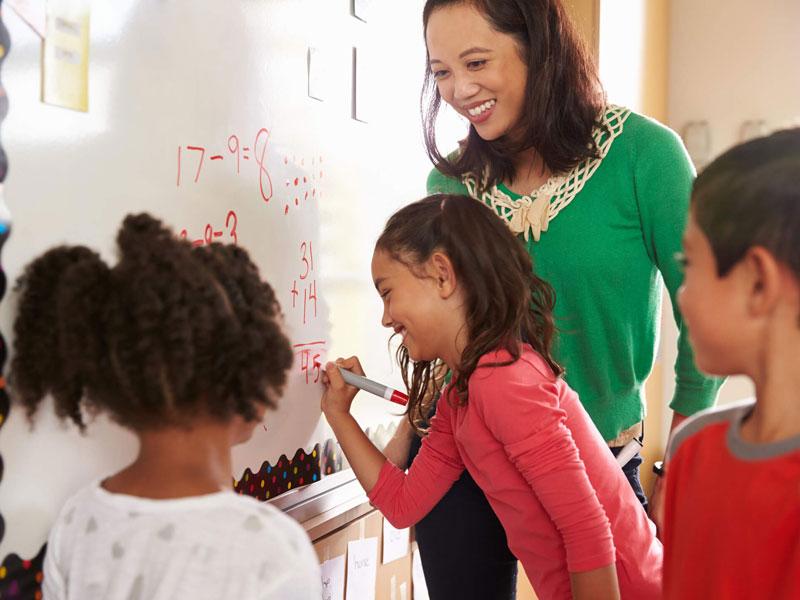 چگونه به دانشآموزان کمک کنیم تا درکی عمیق از مفاهیم ریاضی به دست آورند؟