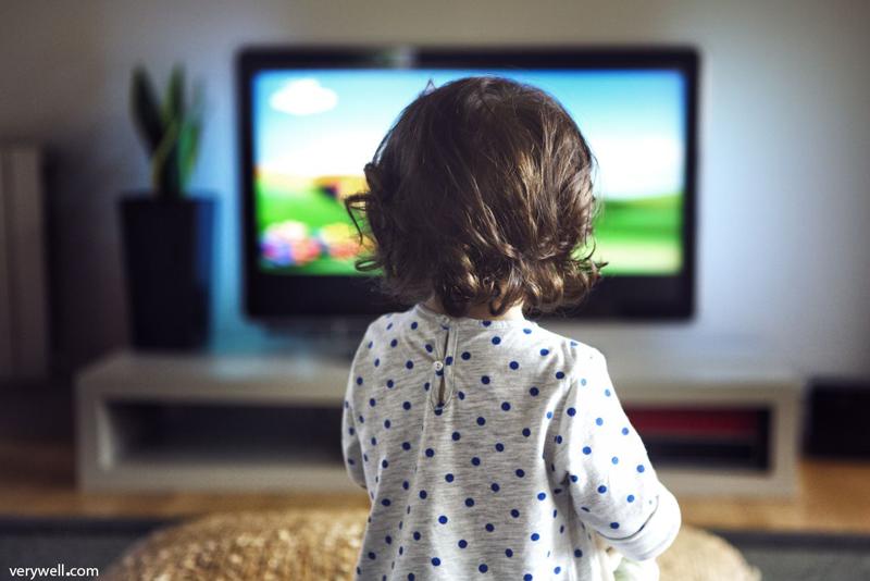 تأثیر تلویزیون بر سلامت کودکان