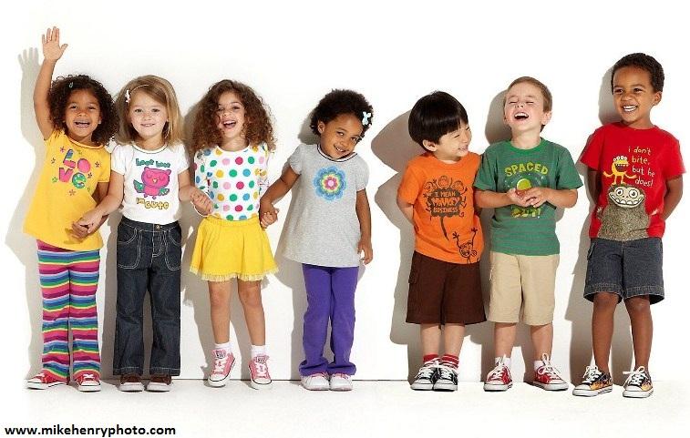 خندیدن کودک را سرکوب نکنیم