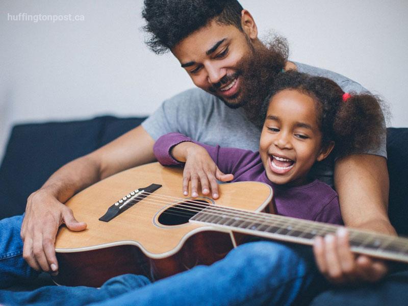 موسیقی عاملی مهم در رشد کودک و روابط والد و فرزند