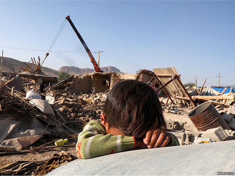 چگونه با کودکان زلزله زده یا سیل زده رفتار کنیم