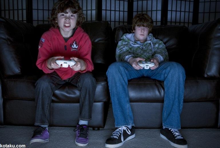 بازیهای رایانه ای غیر استاندارد زمینه ساز پرخاشگری کودکان