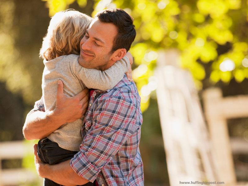 ۱۵ راه برای صمیمی شدن با فرزندتان
