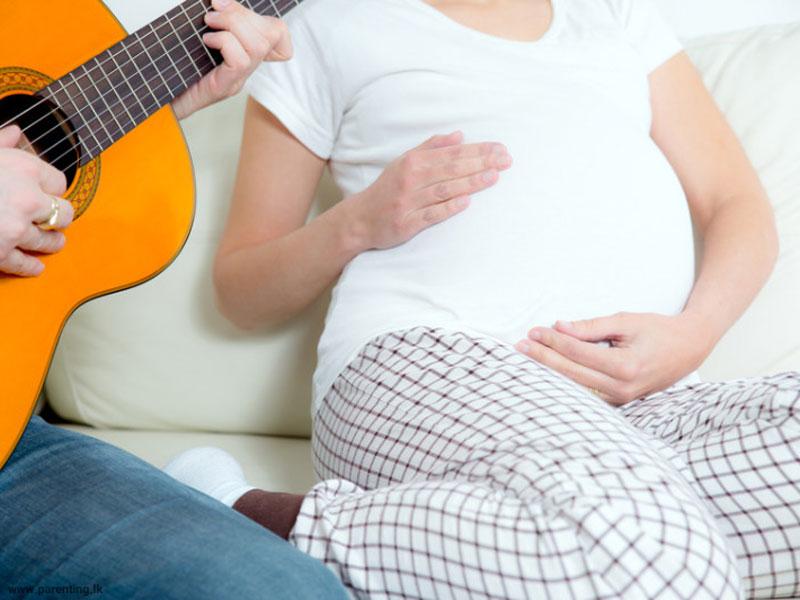 چگونه برای جنین، در رحم موسیقی پخش کنیم؟