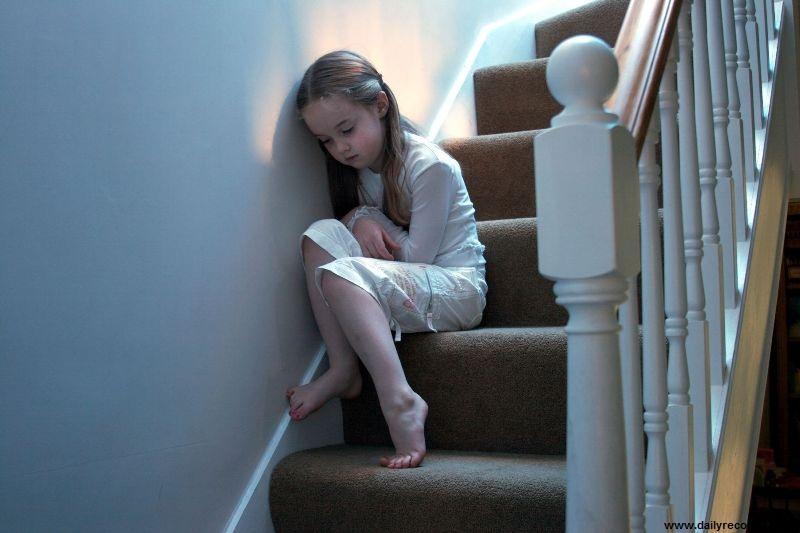 چطور کودک آزاردیده را بشناسیم؟
