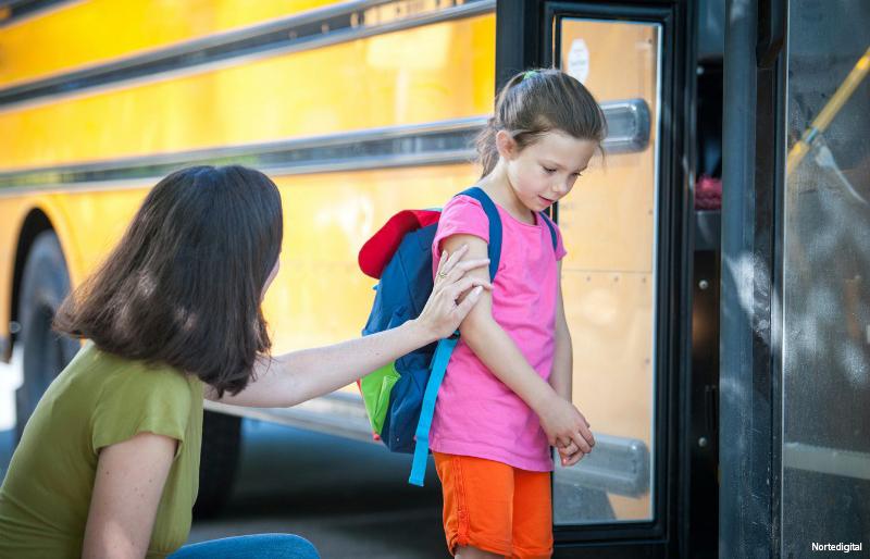 چرا كودكم علاقه ای به مدرسه رفتن از خود نشان نمی دهد؟