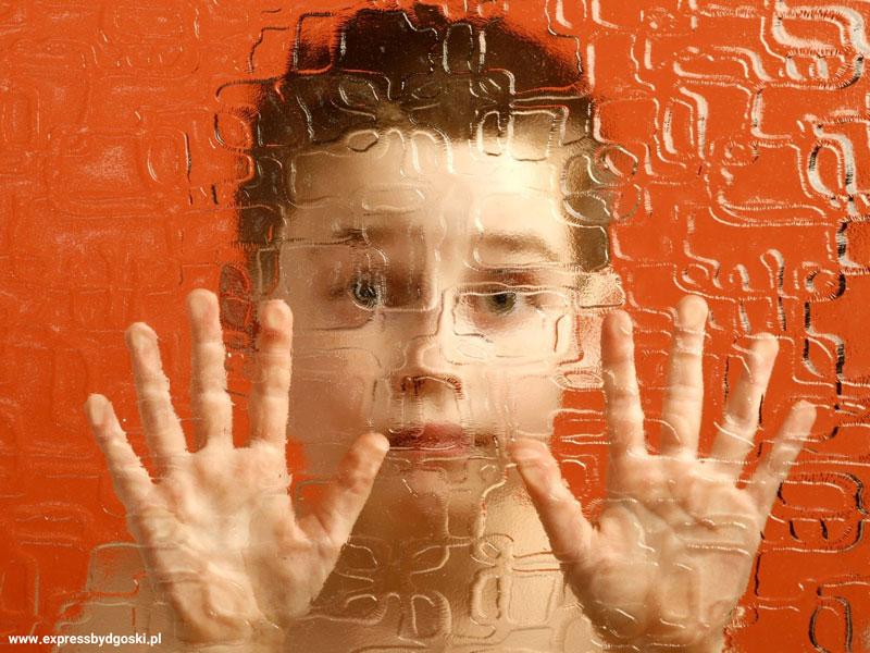 اختلال اسکیزوفرنی در کودکان، نشانهها و درمان آن