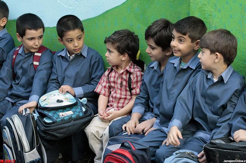 چگونه ترس کودک از مدرسه را درمان کنیم