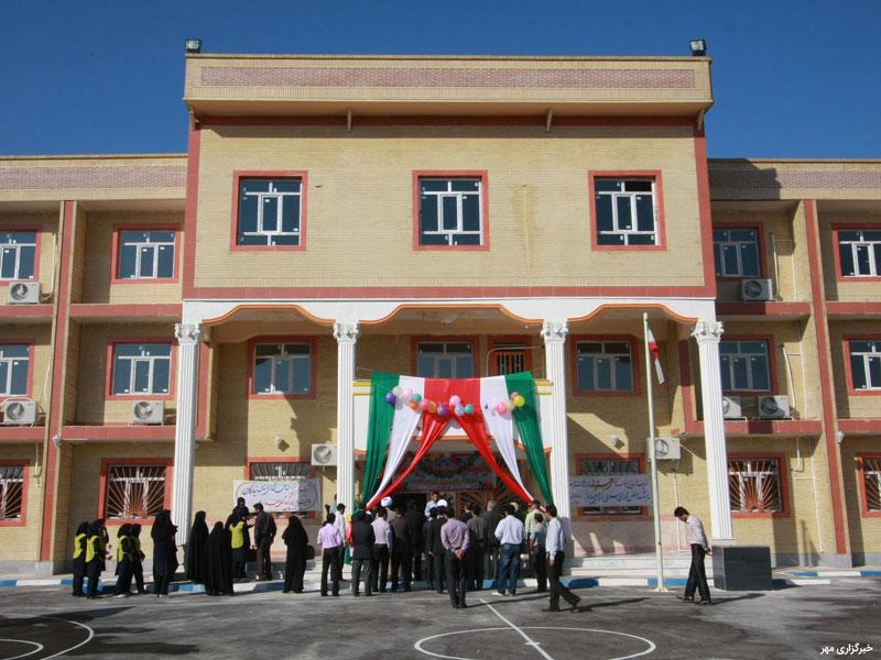 ضرورت ساختارشکنی از زندان مدرسه در ایران