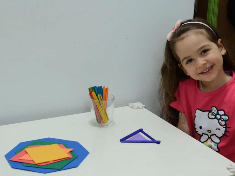 یادگیری شکل های هندسی به روش مونتسوری