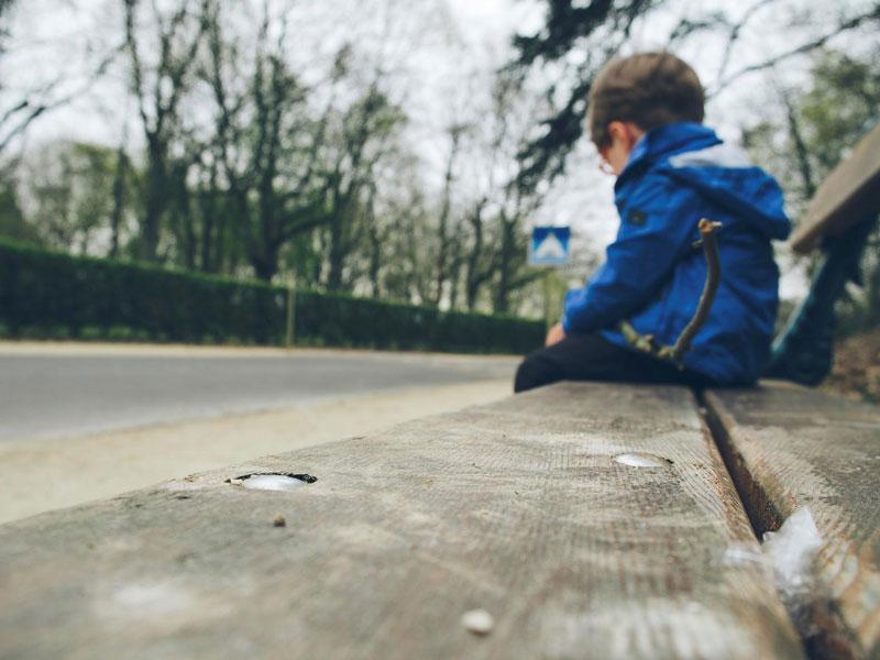 خودکشی کودکان، دلایل و راههای رویارویی با آن