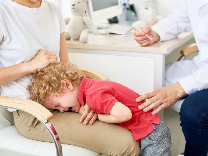 چرا کودک من از رویارویی با پزشک میترسد؟