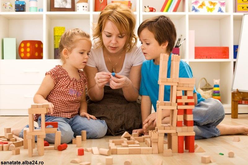 خلاقیت در کودکان با تشویق رشد میکند